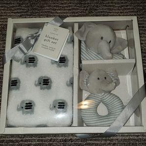 NIB blanket gift set for baby